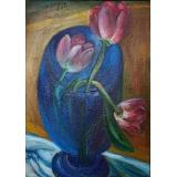 Розовые тюльпаны в синем бокале
